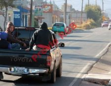 Vecinos de Cabricán y Huitán, Quetzaltenango utilizaron picpops para llegar a su destino, por paro de transportistas. (Foto Prensa Libre: Carlos Ventura)