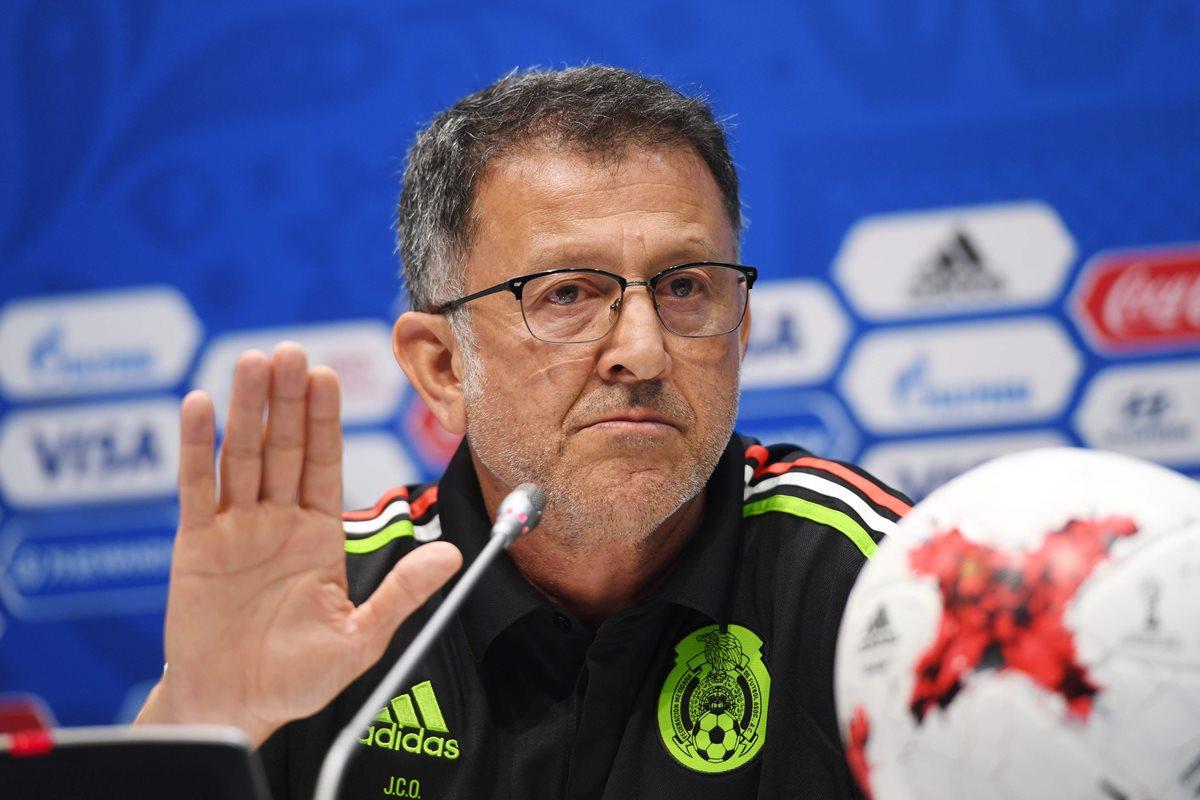 El técnico colombiano Juan Carlos Osorio durante la conferencia de prensa de este miércoles en Rusia. (Foto Prensa Libre: AFP)