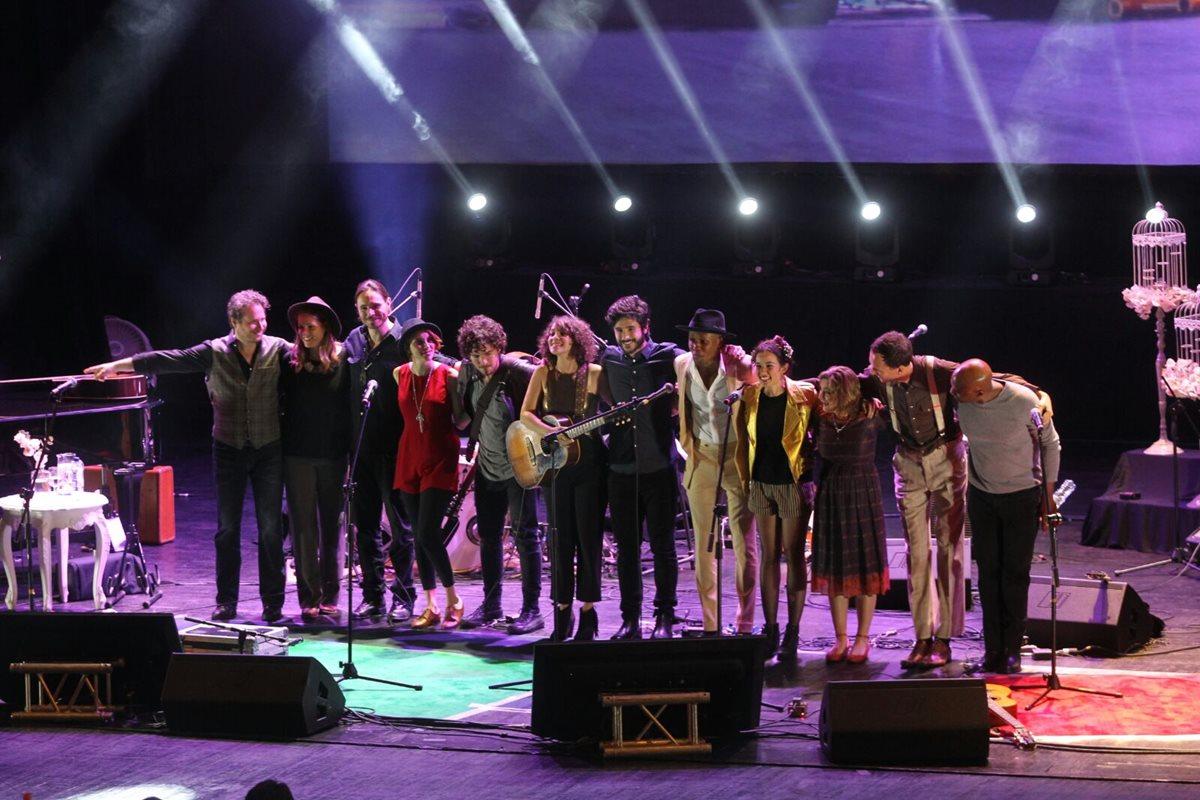 Gaby Moreno y sus invitados deleitaron durante dos horas al público con una presentación de lujo. (Foto Prensa Libre: Keneth Cruz)