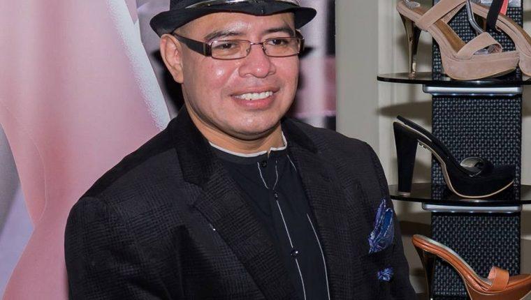 Antonio Chávez es el diseñador oficial del calzado que lucirá Miss Guatemala Virginia Argueta en la gala de Miss Universo. (Foto Prensa Libre, Facebook).