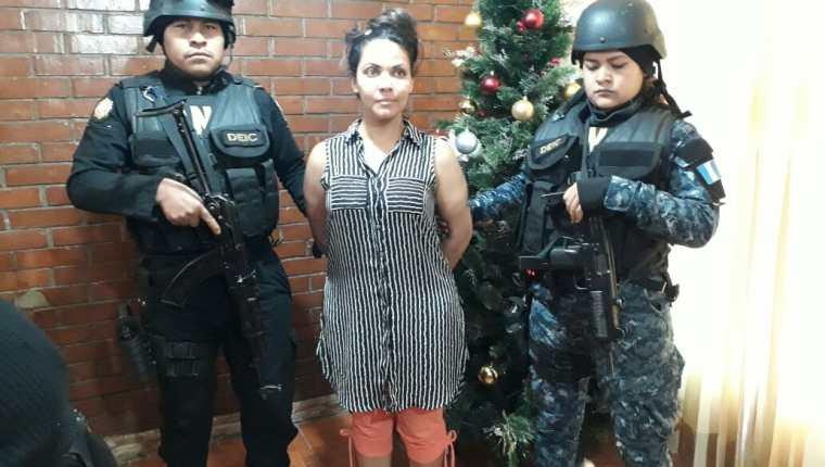 Gabriela Rocío Argueta Ramos es la supuesta pareja de el Marino, un reo que guarda prisión por encabezar una banda de secuestradores. (Foto Prensa Libre: PNC)