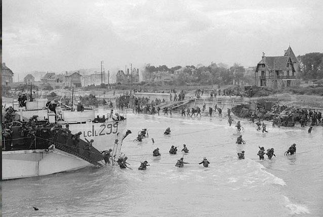 Las tropas aliadas llegan las playas francesas el 6 de junio de 1944. (Foto: Wikimedia Commons)