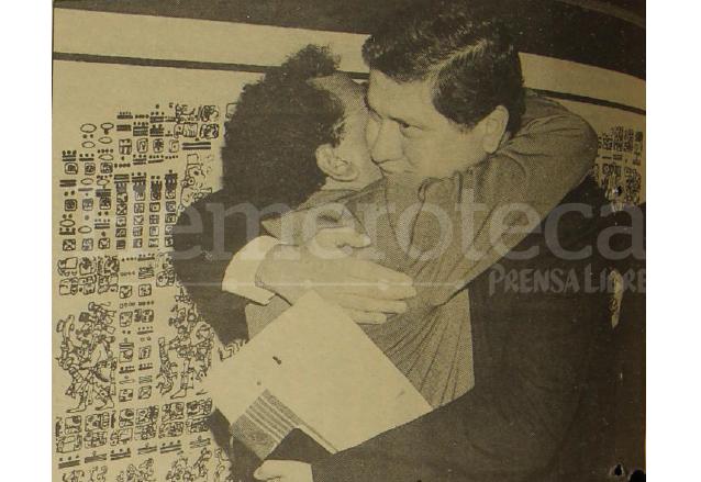 1993: ex vicemandatario Gustavo Espina sale al exilio