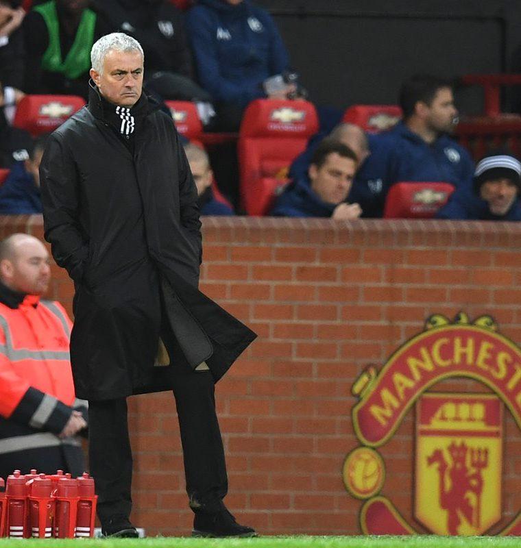 El portugués José Mourinho no consiguió ser campeón de la Premier League con el Manchester United. (Foto Prensa Libre: AFP)