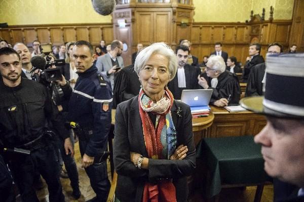 Lagarde a defensiva en juicio por negligencia en caso multimillonario