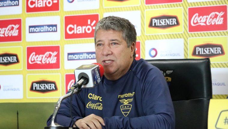 Hernán Dario Gómez comienza a preparar el partido de Ecuador contra la selección de Guatemala. (Foto Prensa Libre: @FEFecuador)