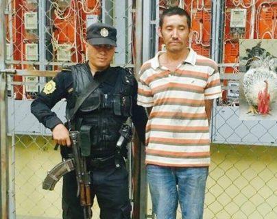 La captura se registró en Esquipulas, Chiquimula, donde vecinos opinaron que es necesario crear fuentes de empleo para evitar que personas participen en actividades delictivas. (Foto Prensa Libre: Mario Morales)