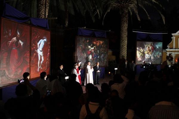 La entrega de las pinturas se llevó a cabo el jueves último, en la iglesia el Calvario. (Foto Prensa Libre: Miguel López)