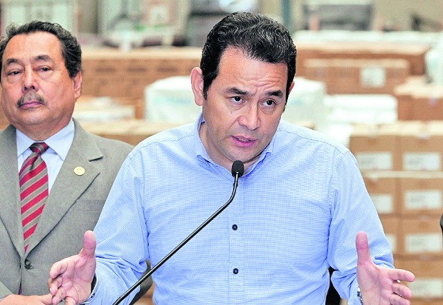 El presidente Jimmy Morales advirtió que accionaría contra el acuerdo. (Foto Prensa Libre: Hemeroteca PL)