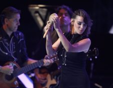 Moreno durante una de sus presentaciones en vivo de la gira Ilusión, inspirada en el álbum nominado al Grammy Latino (Foto Prensa Libre: Keneth Cruz).