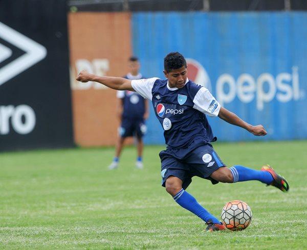 Pedro Altán, de Municipal, es uno de los seleccionados nacionales Sub 20 (Foto Prensa Libre: Hemeroteca PL)