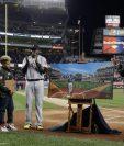 David Ortiz fue homenajeado en el estadio de los Yanquis por su carrera. (Foto Prensa Libre: EFE)