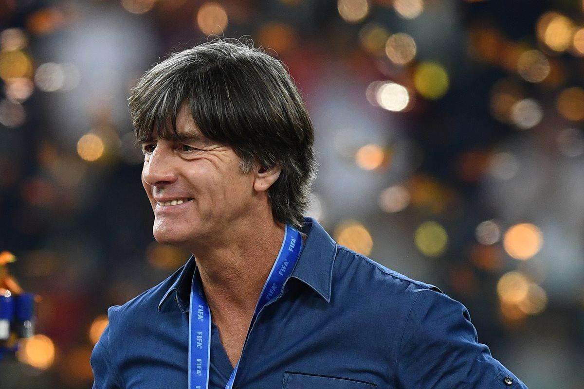 Joachim Löw se siente satisfecho por lo hecho por su joven selección. (Foto Prensa Libre: AFP)