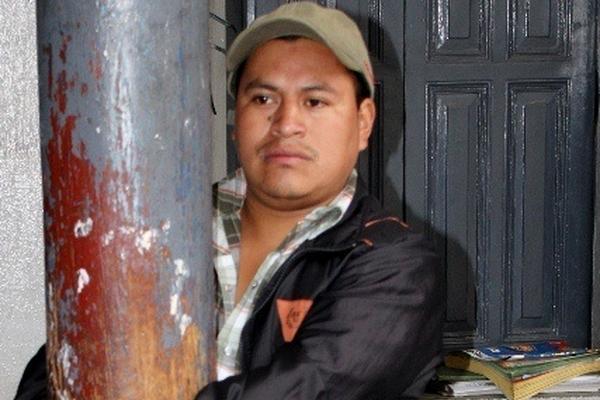 Joaquín Ramos Ventura, sindicado de robo, permanece en la subestación de Santa Cruz del Quiché. (Foto Prensa Libre: Óscar Figueroa)