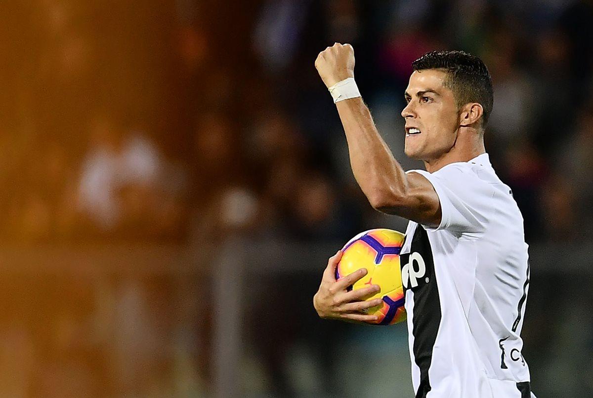 El portugués Cristiano Ronaldo lideró nuevamente a la Juventus para vencer al Émpoli, este sábado en duelo de la fecha 10 de la Serie A. (Foto Prensa Libre: AFP).