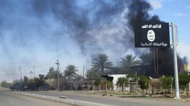 Grupo terrorista Estado Islámico, interceptó a desplazados. (Foto Prensa Libre: EFE)