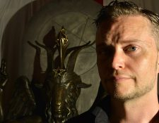"""El cofundador de El Templo Satánico, Lucien Greaves, dijo que la escultura está siendo utilizada forma """"inadecuada"""". GETTY IMAGES"""