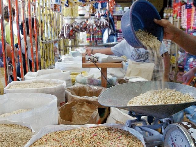 La nueva Canasta Básica de Alimentos tiene 34 productos. (Foto Prensa Libre: Hemeroteca PL)