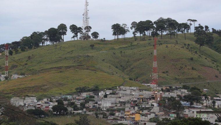 En una finca contigua a la colonia EL Rosario pasará la ruta de Arco 18, luego se conectará con la carretera al Atlántico. (Foto Prensa Libre: Hemeroteca PL)