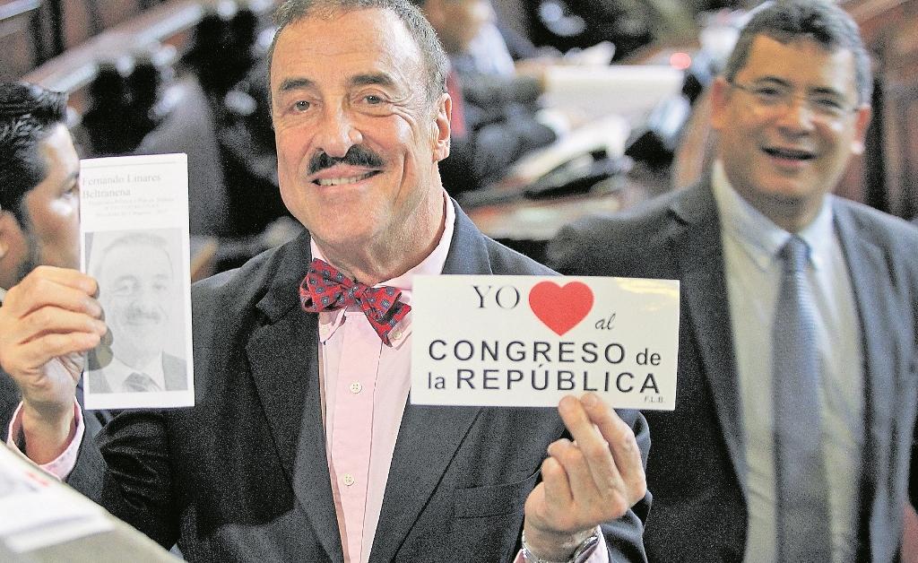 Diputado Fernando Linares Beltranena queda sin inmunidad por discriminación