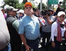 Joviel Acevedo, secretario del Sindicato de Trabajadores de la Educación de Guatemala, fue retenido por pobladores en La Tinta, Alta Verapaz. (Foto Hemeroteca PL)