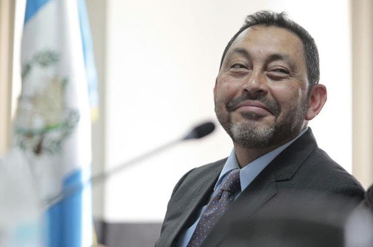 Mauricio López Bonilla enfrenta el primer juicio por casos de corrupción. (Foto Prensa Libre: Hemeroteca)