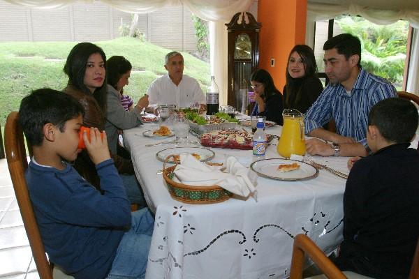 Pérez Molina y su familia dejarán la casa ubicada  en Bosques de las Luces, km 13.5, ruta a El Salvador, y se pasarán a vivir a la zona 15.
