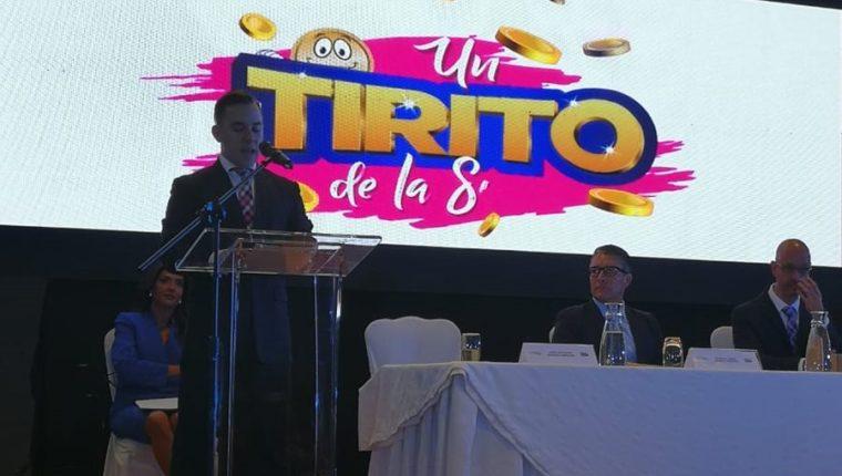 Juan Luis Chang, gerente Comercial de Tenlot Guatemala presentó la nueva lotería. (Foto Prensa Libre: Cortesía)