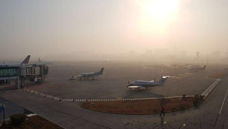 Los vuelos fueron reanudados a las 7.10 horas, según confirmó la Dirección General de Aeronáutica Civil. (Foto Prensa Libre: DGAC)
