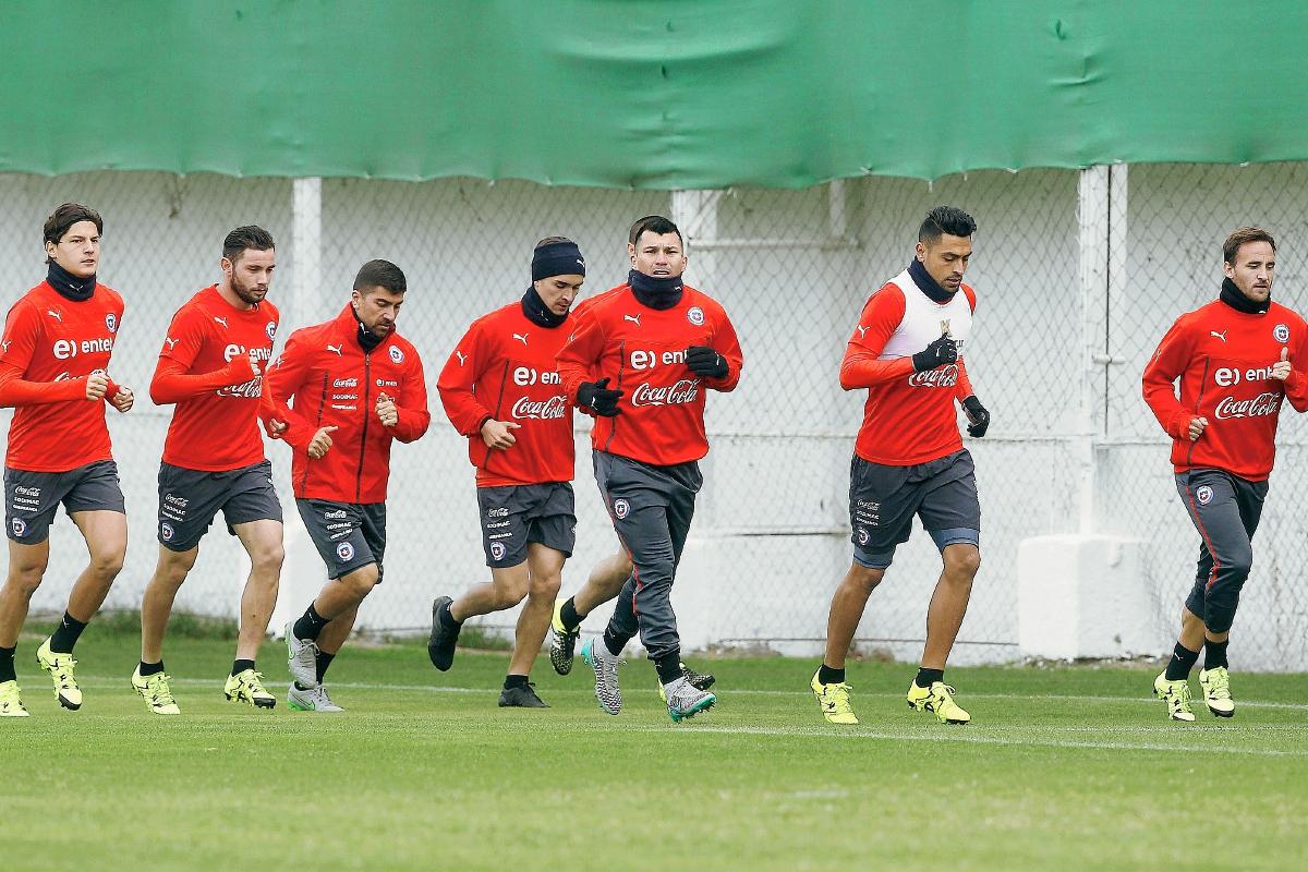 El cuadro chileno empezó hoy su preparación para los cuartos de final. (Foto Prensa Libre: AFP)
