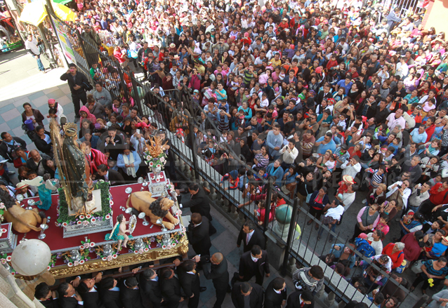 La procesión de la Virgen de Guadalupe es acompañada por miles de devotos cada 12 de diciembre. Foto del año 2014. (Foto: Hemeroteca PL)