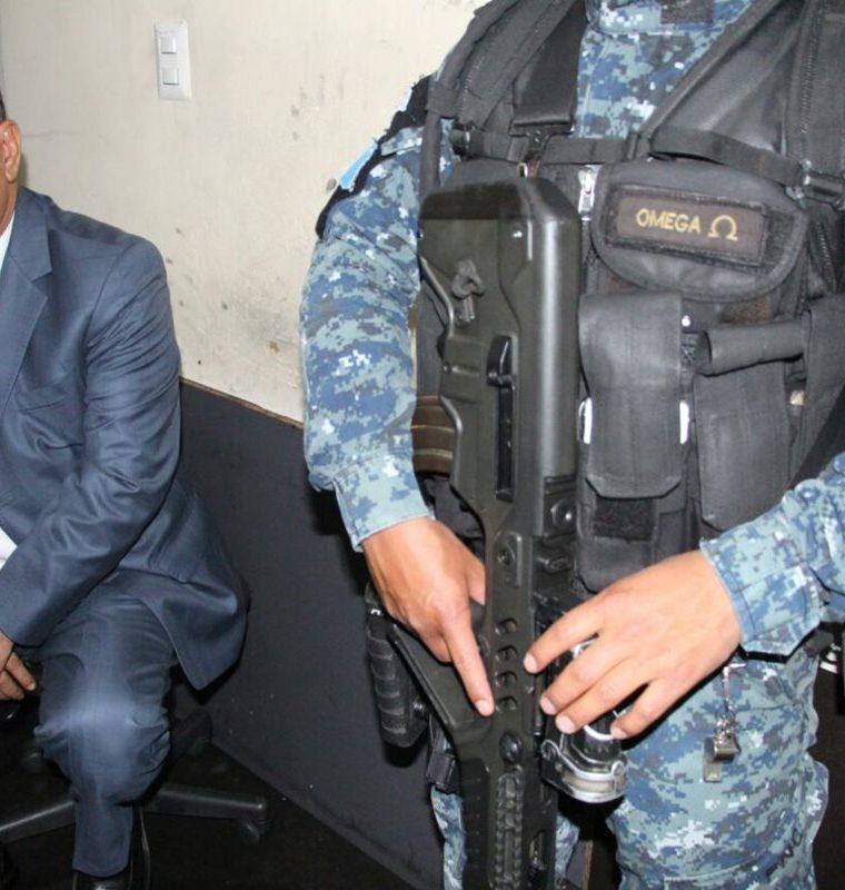 El diputado Arístides Crespo fue capturado en la zona 6 capitalina y fue trasladado a la Torre de Tribunales. (Foto Prensa Libre: Cortesía PNC)