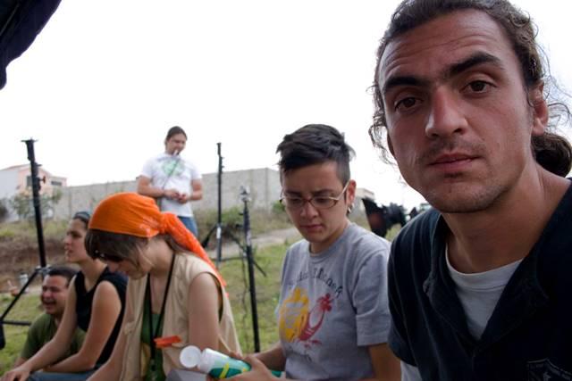"""Eduardo Spiegeler (derecha) en el rodaje del largometraje """"Gasolina"""" del cineasta Julio Hernández. (Foto Prensa Libre: Cortesía: Manuel Morillo Orozco)"""