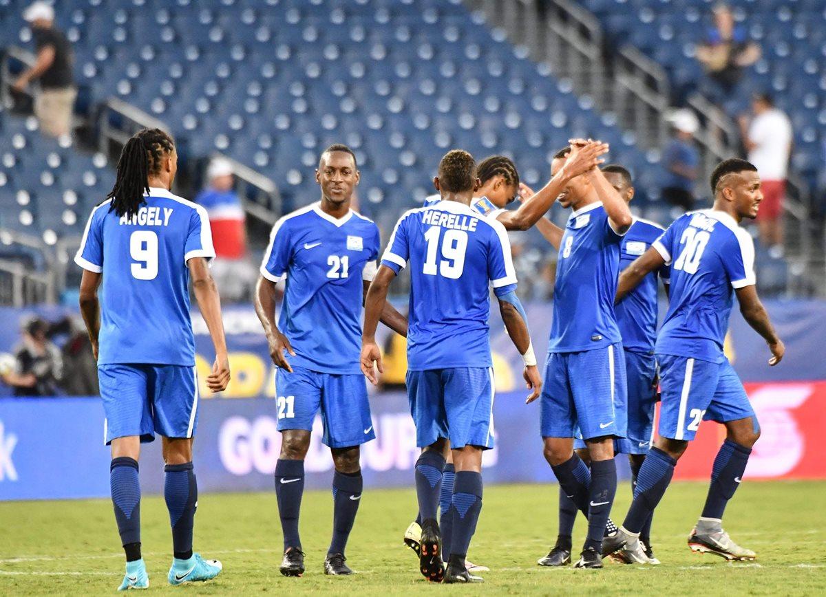 Con goles de Kevin Parsemain y de Steven Langil, Martinica venció a Nicaragua. (Foto Prensa Libre: AFP).