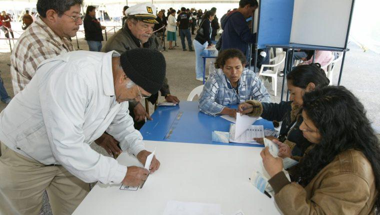 La primeraEncuesta Libre de la campaña electoral 2019, de Prensa Libre y Guatevisión, presenta la intención de voto de los guatemaltecos que irán a las urnas el próximo 16 de junio próximo. (Foto Prensa Libre: Hemeroteca PL)
