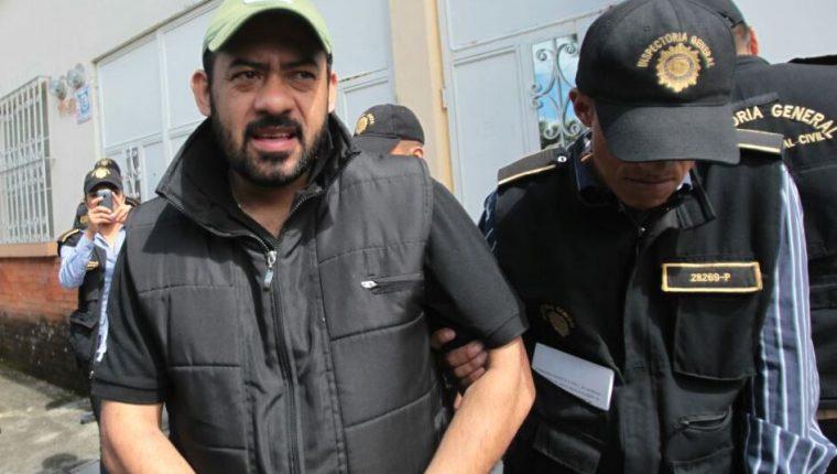 El exfiscal Orlando López, es detenido en su residencia en la 13 calle 11-33 de la zona 2. (Foto Prensa Libre: Érick Ávila)