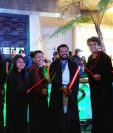"""Integrantes de la Marimba Contemporánea también llegaron disfrazados al estreno de """"La guerra de las galaxias"""". (Foto Prensa Libre: Ana Lucía Ola)"""