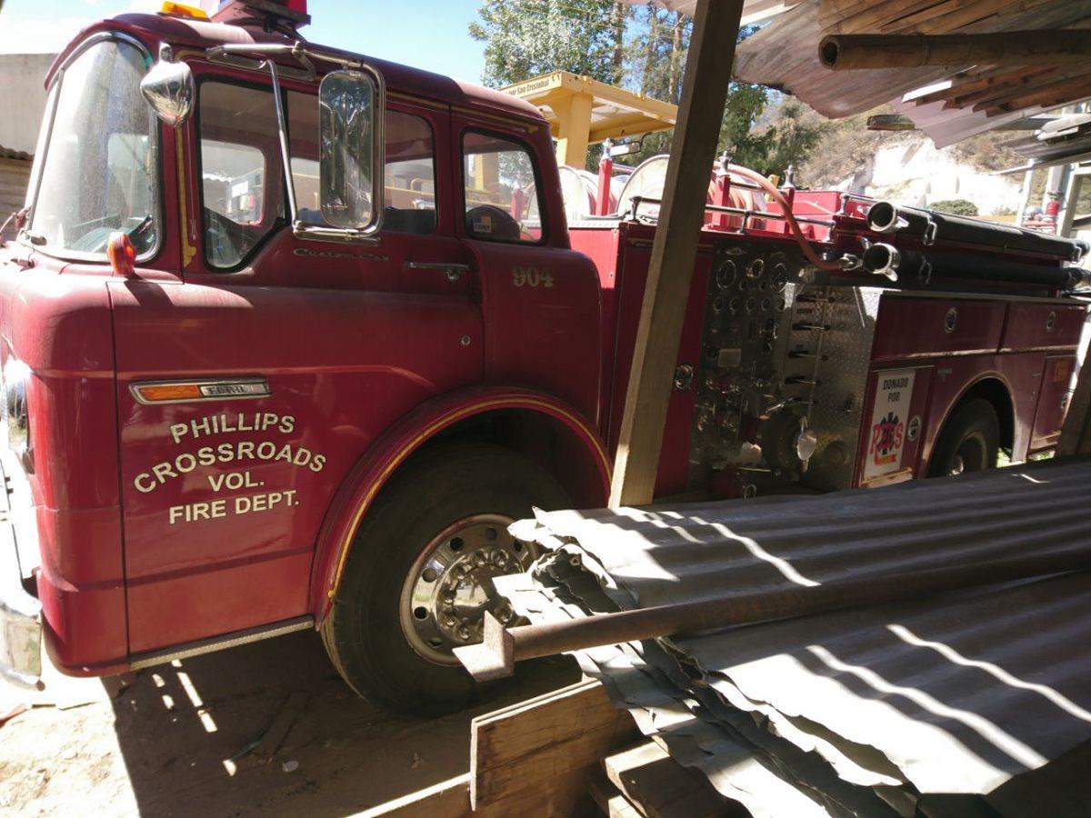 Desconocidos robaron baterías de la única unidad contra incendios que tienen Bomberos Voluntarios de San Cristóbal Totonicapán. (Foto Prensa Libre: Cortesía)
