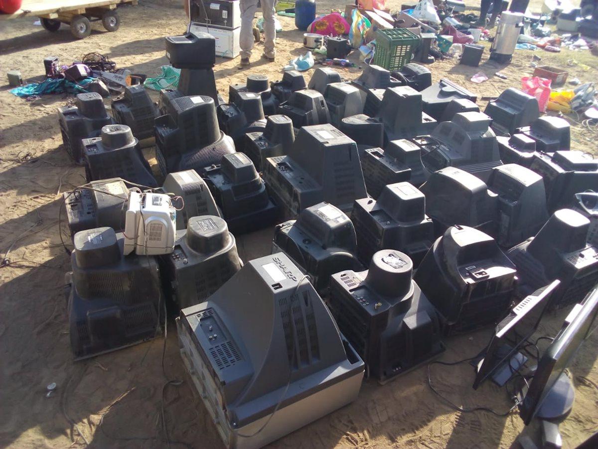 Unos 137 televisores fueron decomisadas en Cantel.