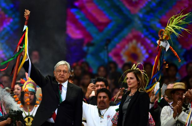 Beatriz Gutiérrez Müller a escritora y periodista y a partir de ayer es la primera dama de México. (Foto Prensa Libre: AFP)