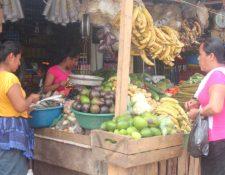 Petén es uno de los departamentos donde la canasta básica se ha encarecido más. (Foto Prensa Libre: Rigoberto Escobar)