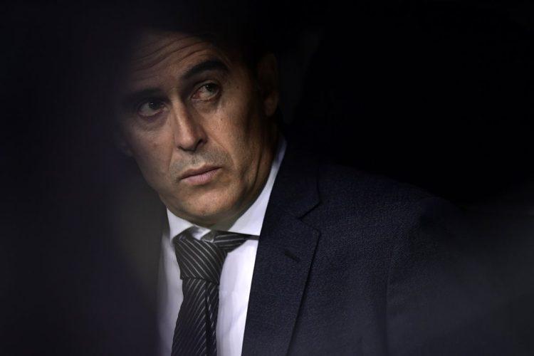 Julen Lopetegui se encuentra en la cuerda floja y podría quedar fuera del banquillo del Real Madrid.