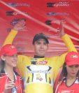 Manuel Rodas viste el suéter de líder de la Vuelta a Guatemala 2017. (Foto Prensa Libre: Francisco Sánchez)