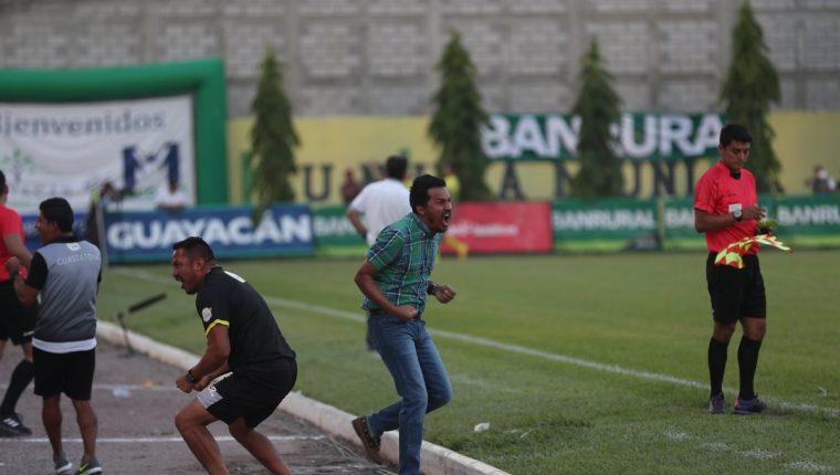 Amarini Villatoro festejó a todo pulmón el pase de Guasta a la final, luego de dejar en el camino a Cobán. (Foto Prensa Libre: Hemeroteca PL)