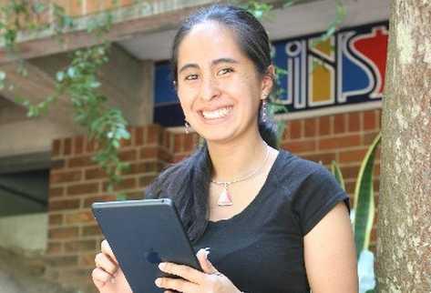CECILIA CASTILLO desarrolla aplicaciones móviles y herramientas para la red.