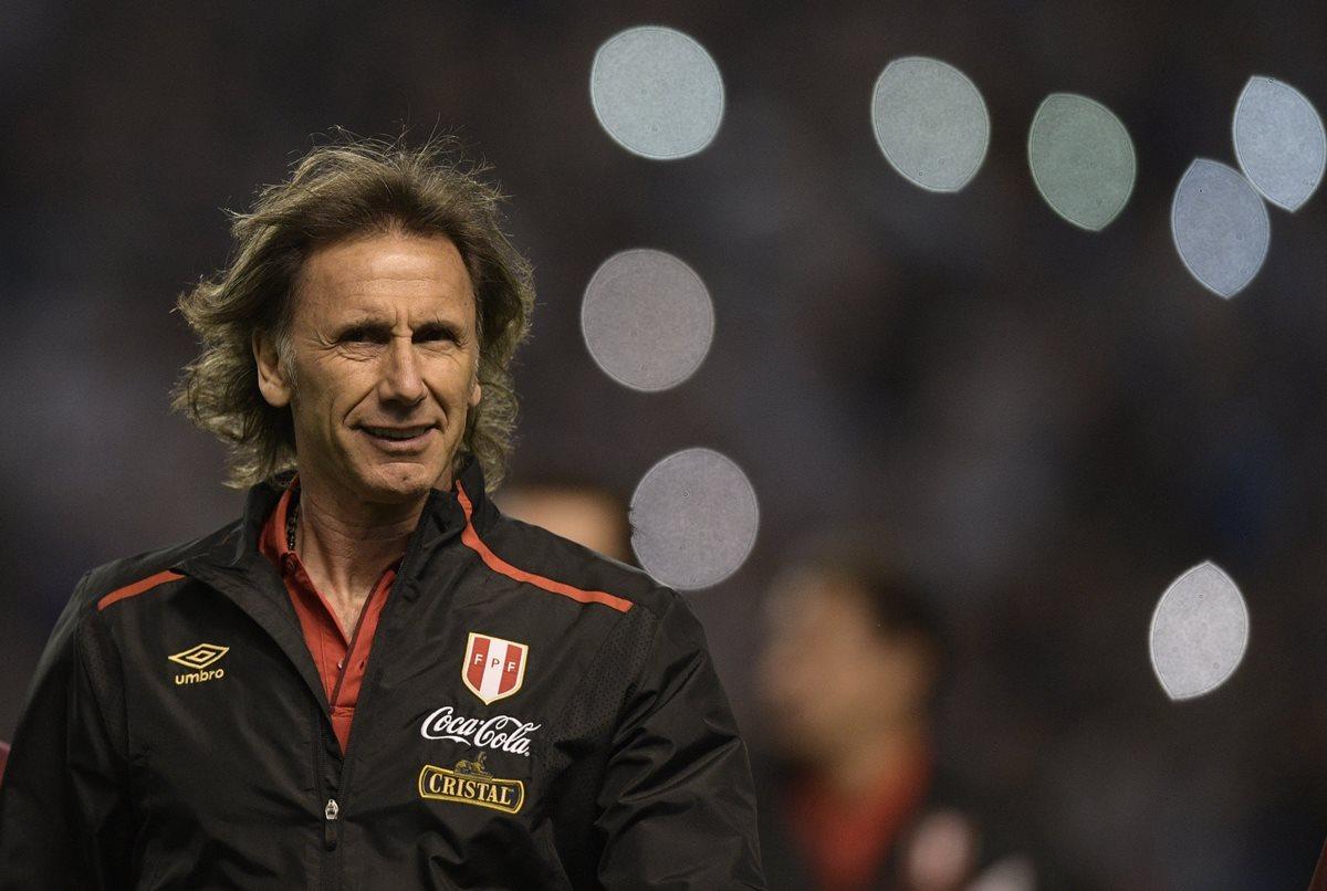 El técnico de Perú, Ricardo Gareca espera conseguir el pase al Mundial de Rusia. (Foto Prensa Libre: AFP)