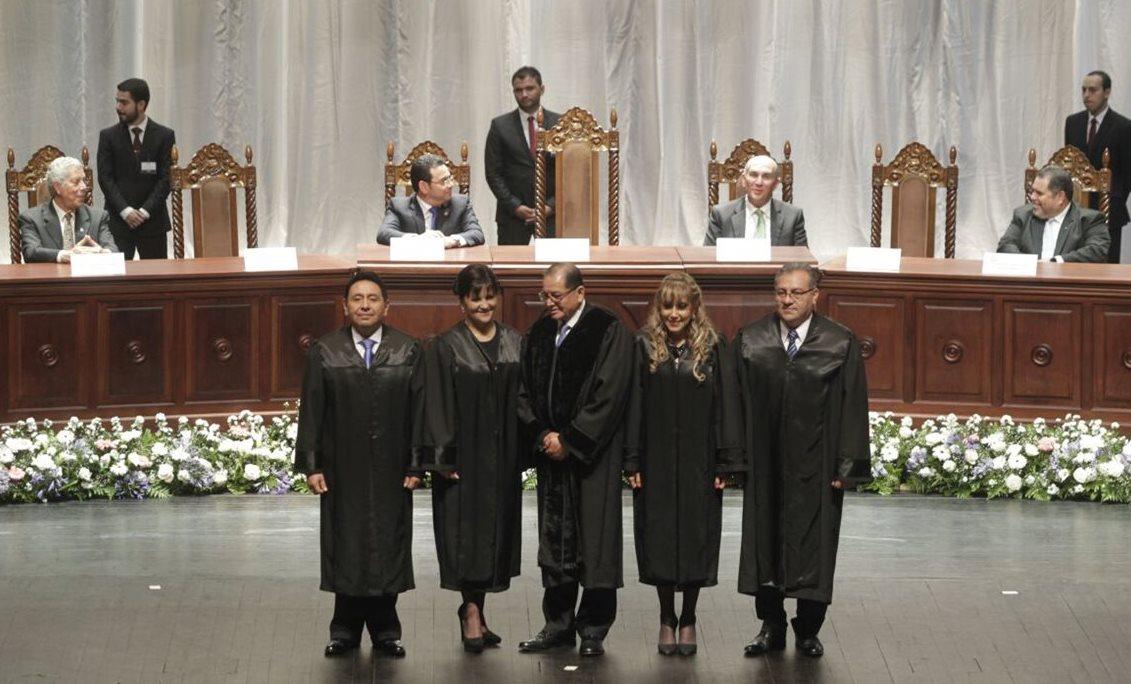 La nueva Corte fue electa para un período de cinco años, que termina en 2021. (Foto Prensa Libre: Edwin Bercián)