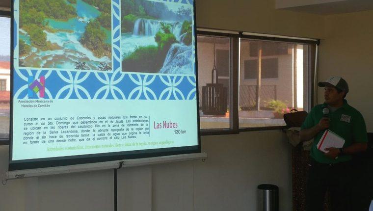 Operadores de turismo promueven el sitio turístico Las Nubes. (Foto Prensa Libre: Fred Rivera)