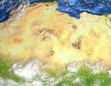 El Sahara hoy en día. Su color crema claro refleja los rayos de luz, afectando la frecuencia de las lluvias monzones, esenciales para la vegetación. (Foto Prensa Libre: Getty Images)