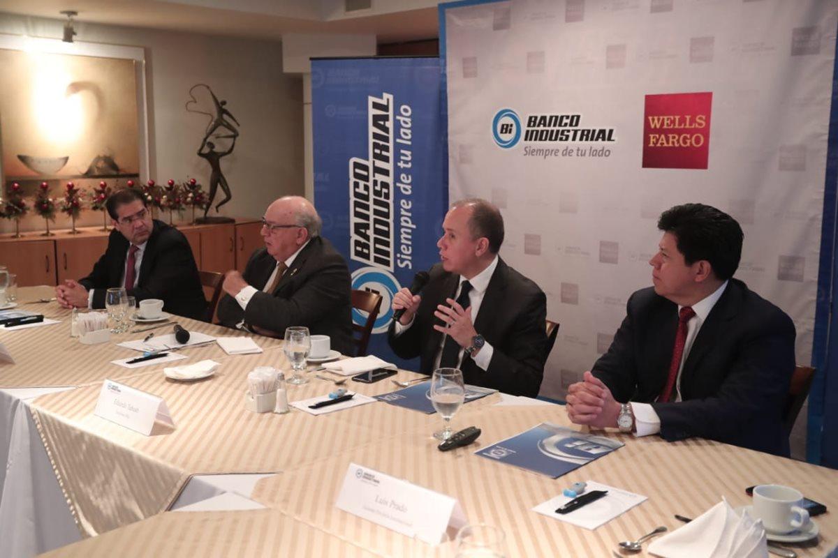 Ejecutivos del Banco Industrial y directivos de corporación BI informaron sobre obtención de un financiamiento en los Mercados de Capitales Internacionales por US$350millones. (Foto Prensa Libre: Juan Diego González)